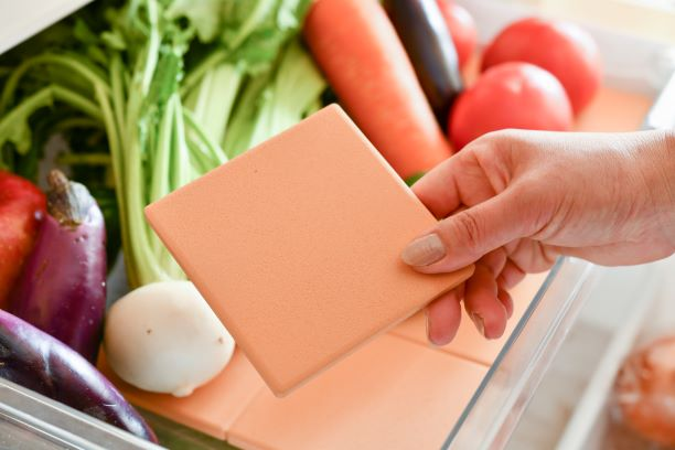 冷蔵庫に珪藻土タイル